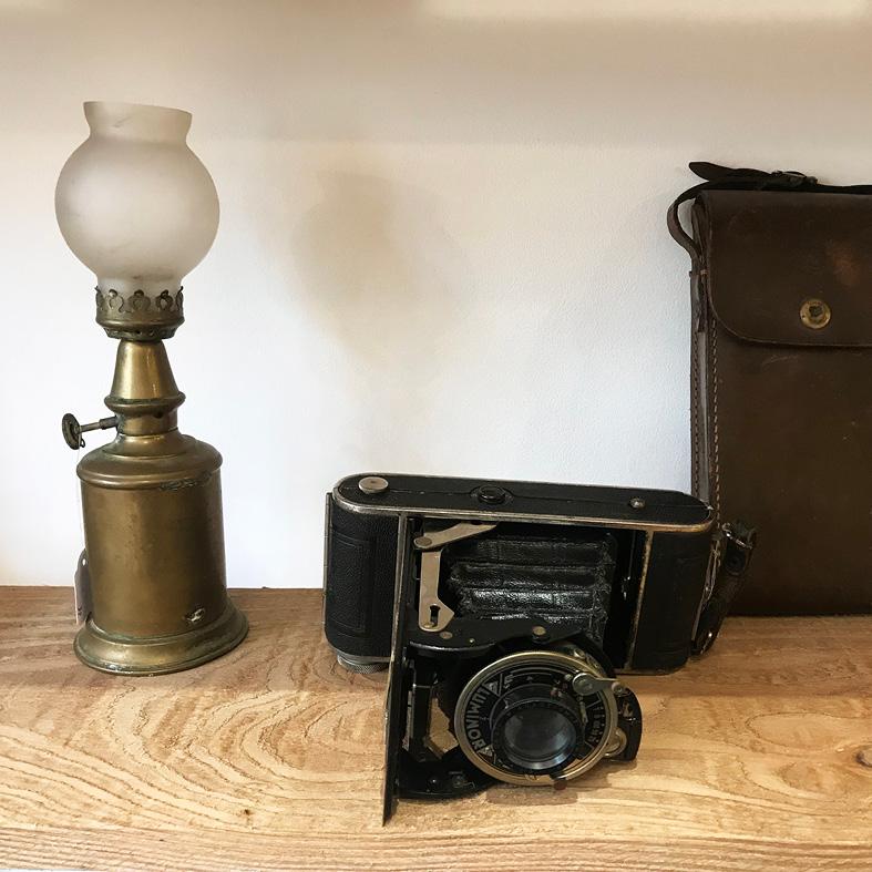 Les créateurs de la boutique : objets anciens chinés par La boutique